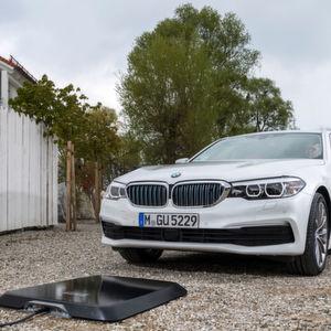 Induktives Laden bei BMW: Ende der Kabelei