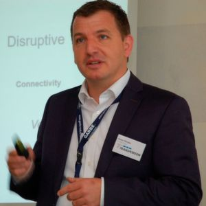 """Peter Förster: """"Es geht nicht darum, 4.0 zu sein, zu disrupten, digital zu sein. Es geht darum, diese wunderbaren Technologien zu nutzen, um sich letztendlich im eigenen Geschäft zu verbessern."""""""