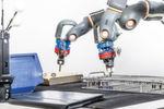 Der rob@work 3 verbindet eine omnidirektionale mobile Plattform und ein modulares Manipulatorsystem zu einem vollständig integrierten Roboter, der durch die verfügbaren offenen Schnittstellen und Basisfunktionalitäten effektiv und flexibel in der Produktion eingesetzt werden kann. Hier im Bild eine Variante mit dem kollaborativen Zweiarm-Roboter Yumi von ABB.