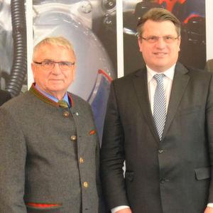 Justizminister besucht Münchner Kfz-Schiedsstelle