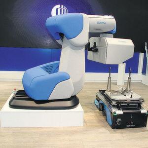 Der sensitive Roboter Aura kollaboriert nicht nur mit dem Menschen, sondern auch mit der neuen mobilen Plattform Agile1500.