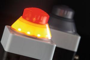 Beleuchtete Betätiger: Die Not-Halt-Tasten von Schlegel zeigen eindeutig Maschinenzustände an.