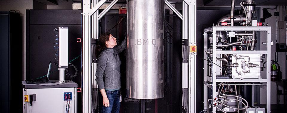 """""""IBM Q"""" soll der erste kommerziell verfügbare Quantencomputer von Big Blue sein; IBM hat nun zwei neue Prozessoren - mit 16 und 17 Qubits - vorgestellt."""