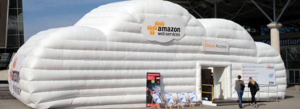Ein aufblasbares Zelt der Amazon Web Services als Demonstration des Cloudanbieters auf de CeBit. Der Cloudservice-Dienstleister Service in Deutschland deutlich ausbauen und plant dafür ein weiteres Rechenzentrum im Frankfurter Raum.