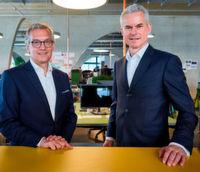 """""""Strategie besteht heute zum großen Teil aus IT"""", so Ralf Hofmann, Vorsitzender der Geschäftsführung und Gründer von MHP, links im Bild. Rechts: Eberhard Weiblen, Vorsitzender der Geschäftsführung von Porsche Consulting."""