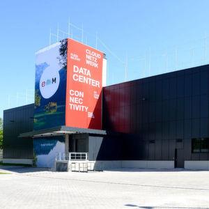E-Shelter eröffnet Hochsicherheits-Datacenter mit Umweltpfiff