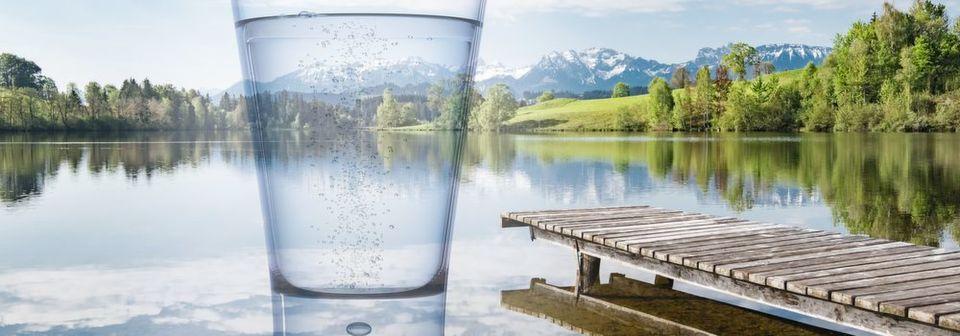 1 Perfluorierte Tenside (PFT) werden weder aerob noch anaerob abgebaut und reichern sich in der Umwelt an. Aufgrund ihres gesundheitsschädigenden Potenzials sind sie daher wichtiges Ziel der Wasseranalytik.