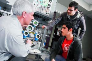 Auch in Kanada ist Endress und Hauser aktiv. So wurde das dortige Sales Center in Burlington ausgebaut und das messtechnische Labor am British Columbia Institute of Technology (BCIT) in Burnaby nahe Vancouver (Bild) mit moderner Automatisierungstechnik ausgestattet.