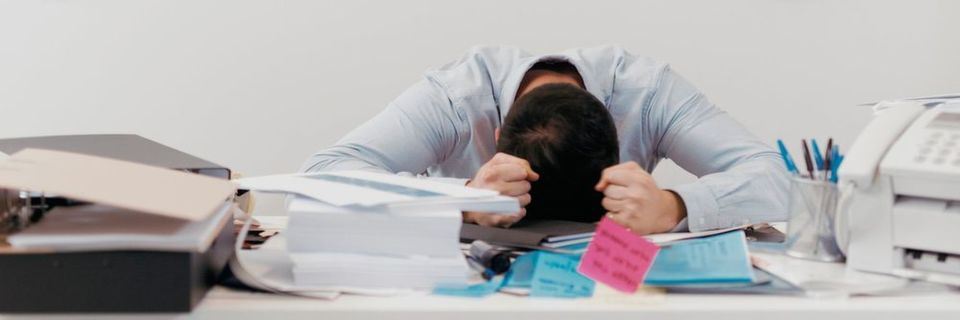 Komplizierte Technologien können zum Büro-Chaos führen.