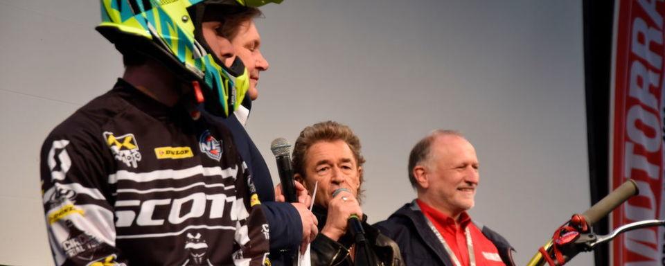 Peter Maffay eröffnete die Messe Motorräder in Dortmund. Veranstalter Hans-Jürgen Weigt (li.) und Medienpartner Michael Pfeiffer von Motorrad fande es klasse.