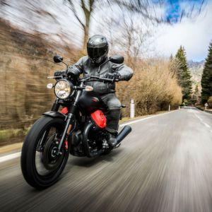 Moto Guzzi V7 Carbon: Edel und rar