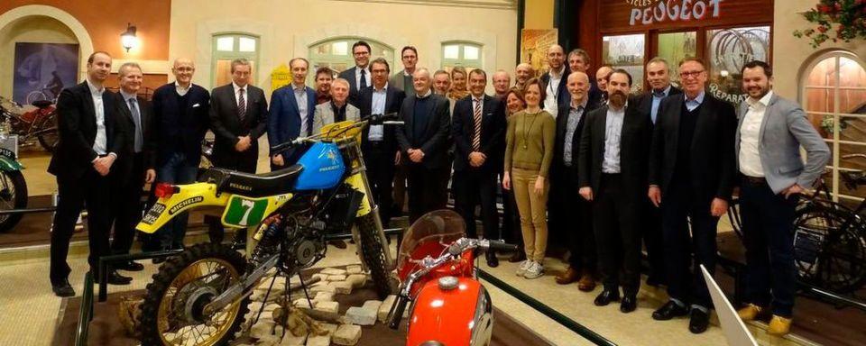 Die Acem-Jahreshauptversammlung bei Peugeot-Roller in Sochaux mit Reiner Brendicke (vierter v.li.).