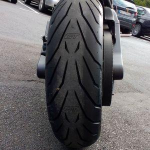 Pirelli Angel GT: Hebt die Buell auf ein neues Niveau.