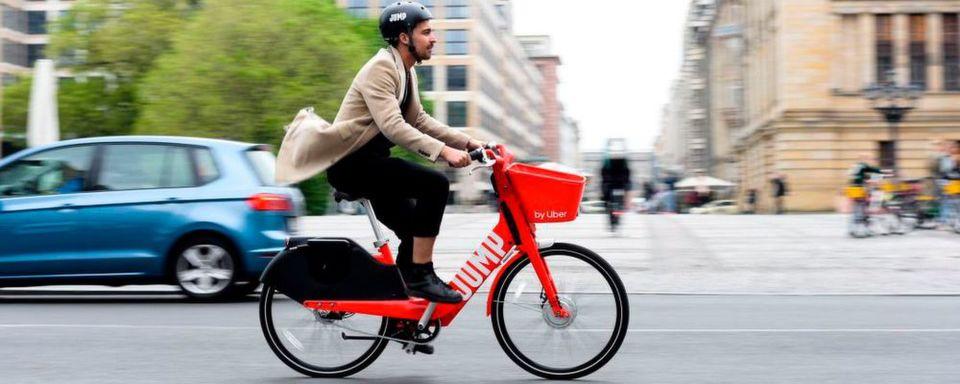Uber-Tochter Jump ist in Deutschland gestartet. In Berlin stehen 1.000 Pedelecs zur spontanen Anmietung bereit.