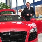 Akademieleiter Matthias Dingfelder ist sich sicher, dass die Fahrzeugspende von Audi die Ausbildung verbessern wird.