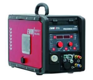 Номинальный сварочный ток: 520 А Скорость подачи сварочной проволоки: 0,5-24 м/мин Ролики в комплекте под стальную...