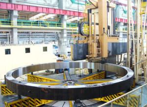 SKET: Bearbeiten eines Stahlgroßbauteiles