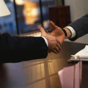 Finanzdienstleister GFKL verkauft das Systemhaus ADA an den Geschäftsführer.