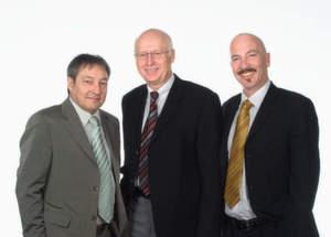 Bridge2eu-Gründer (v.l.): Dieter Schurna (Geschäftsführer), Jürgen Franz (Direktor) und Volker Schlenker (Geschäftsführer)
