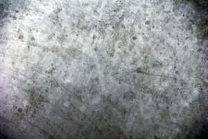 Prototect-Cleaner reinigt, entrostet und passiviert Edelstahloberflächen umweltverträglich in einem Arbeitsgang. Im Bild eine behandelte Oberfläche.