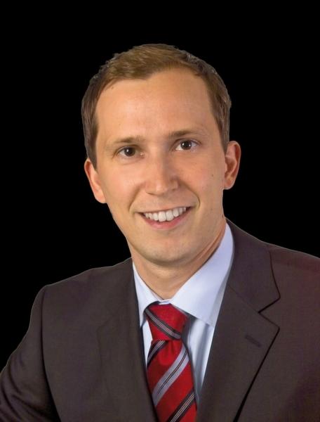 <b>Adrian Ulrich</b>, Referent Geschäftsbereich Innovation & Umwelt der IHK ... - 26