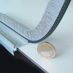 leistenb rsten zum abdichten und f hren auf kleinstem raum. Black Bedroom Furniture Sets. Home Design Ideas