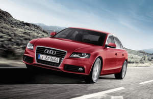 Bereits heute ist die Dynamiklenkung im Audi A4 (Bild), S4, A4 allroad, A5, S5, A5 Cabriolet und Q5 optional an Bord. Bild: Audi