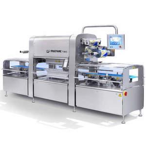 Der Traysealer T 800 ist die neueste Verpackungsmaschine für Trays aus dem Hause Multivac. Bild: Multivac