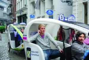 In Hamburg kann man auch als Fahrradfahrer navigieren.