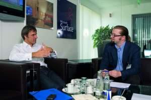 Microsoft-Chef Achim Berg (li.) im Gespräch mit ITB-Redakteur Stefan Riedl.