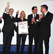 Große Freude bei den Siegern vom Mercedes- und Smart-Autohaus Beresa aus Münster.