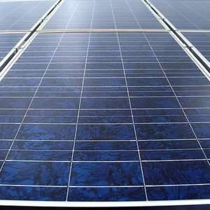 Da Solarenergie in den USA derzeit gefragt ist, baut die Bonner Solarworld AG ihre Produktionskapazität dort aus. Bild: Bundesverband Solarenergie
