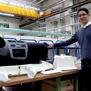 Bild 1: Fertige Baugruppe (weiß) einer Instrumententafel (schwarz). Jedes Lasersinterteil wurde in einem Stück hergestellt.