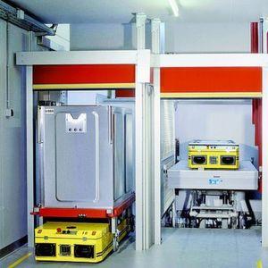 Auf einer Trassenlänge von über 1700m sorgen fahrerlose Transportsysteme im Bundeswehr-Zentralkrankenhaus in Koblenz für die durchgängige Automatisierung der Warenströme. Bild: PSB Intralogistics