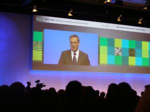 Martin Jetter, Vorsitzender der Geschäftsführung IBM Deutschland, begrüßte die Partner.