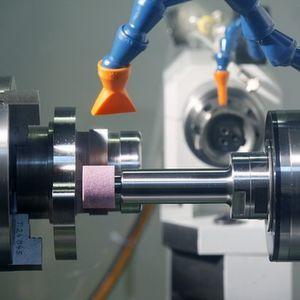 Über neue Trends in der Metallbearbeitung informieren Experten aus Forschung und Praxis beim Fertigungstechnischen Kolloquium (FTK) der AMB 2010. Bild: AMB