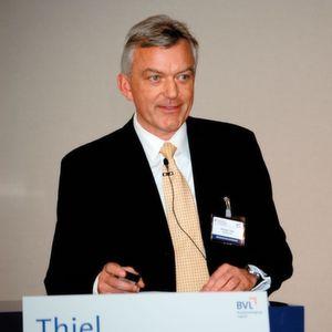 """Ehrhard Thiel, Leiter Logistik und Lieferantenmanagement der Daimler AG, Gaggenau: """"Wir sehen eine zunehmende Bedeutung der Informationstechnologie. 8 bis 10% können wir am Ende bei den Frachtkosten herausholen."""" Bilder: Maienschein"""