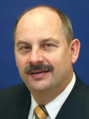 Dr.-Ing. Reinhold Scheffel ist Geschäftsführender Gesellschafter der Tekit Consult Bonn.