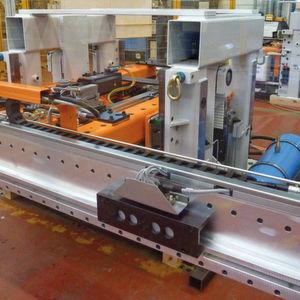 Mit kundenspezifischen Automatisierungs-Systemen modernisiert Dreher Pressen und Pressenanlagen der Umformtechnik, wie hier am Beispiel einer Pressenlinie bei Audi. Bild: Kuhn