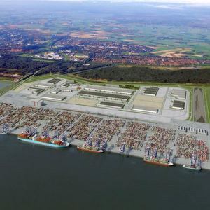 Nachdem sich die Jade-Weser-Port Realisierungs GmbH & Co. KG und die Betreiber des Containerterminals außergerichtlich geeinigt haben, wird der Güterumschlagplatz nun zum 5. August 2012 an den Start gehen. Bild: Jadeweserport