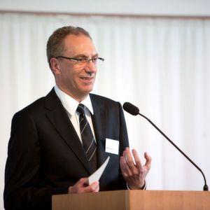 Freute sich auch im Jahr 2010 über 200 Fachbesucher während der Ulmer Logistiktage: IWL-Vorstand Ralph Ehmann. Der Gastgeber IWL feierte gleichzeitig mit dem Event 25-jähriges Firmenjubiläum. Bild: IWL