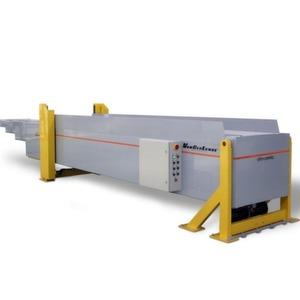 Der ausfahrbare Förderer Dinamic von Vanderlande Industries ist als Gurt- oder als Rollenförderer für den Dock-Loading- und Paket-Uploading-Betrieb erhältlich. Bild: Vanderlande Industries