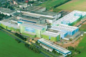 Rasselstein in Andernach am Rhein: Am weltgrößten Produktionsstandort für Verpackungsstahl wurden 2005 neue Anlagen in Betrieb genommen.
