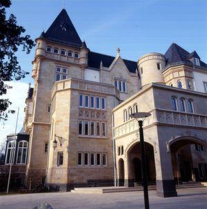 IDC und Brocade laden in die Villa Kennedy in Frankfurt ein.