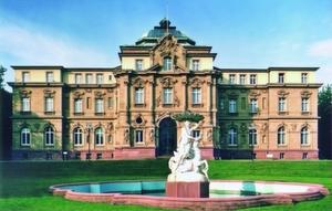 Der Bundesgerichtshof in Karlsruhe nimmt sich gut vier Monate Zeit, um ein Urteil in Sachen gebrauchte Software-Lizenzen zu finden.