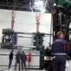 """DB Schenker liefert Schwergewichte zur Kunststoffmesse """"K 2010"""""""