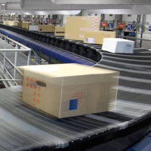 Das Materialfluss-System bei Integra2 besteht aus einer 930 m langen Exprexorter-Schleife mit elf Zuführlinien und 98 Sortierausgängen. Bild: Vanderlande Industries