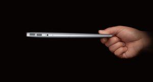 Wenn Diebe nach dem MacBook Air greifen, ist dies dank Versicherung weniger ärgerlich.