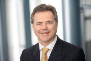 Manfred Lackner erklärt, wie sich der Verkauf von Managed Services entwickelt.