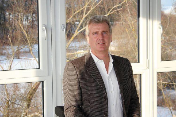 """Christopher Seysen, Geschäftsführer von Efaflex: """"Unser neues Schnelllauftor ist nahezu universell einsetzbar und eignet sich für"""